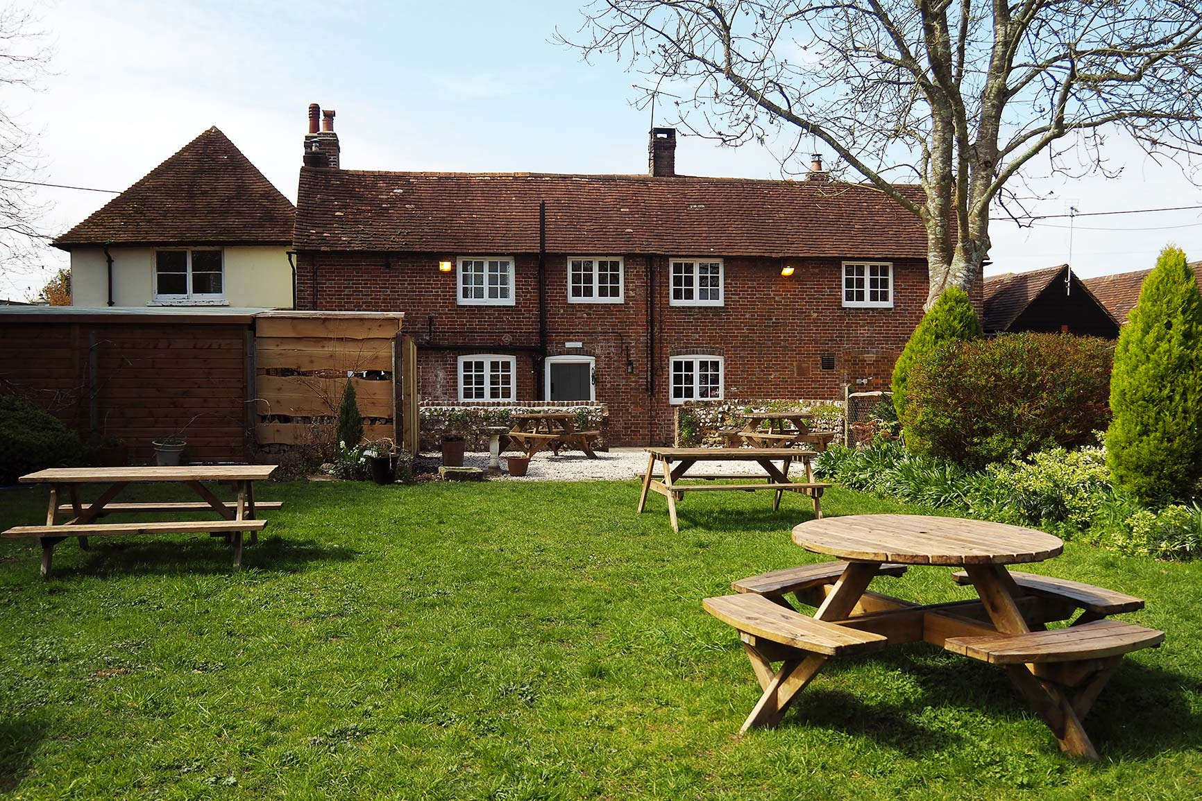 Our relaxing garden at the Foresters Arms